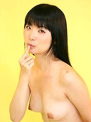 Brunette Tokyo girl Himeno Miku