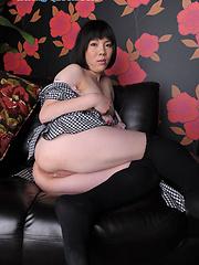 Asian slut Kaori Asou loves posing
