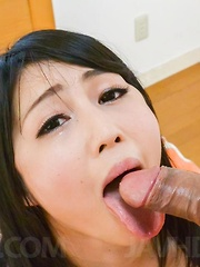 Reo Saionji Asian squirts while getting vibrator on hairy pussy