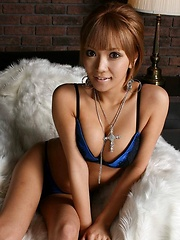 Hina Ootsuka sensual strips off her lingerie