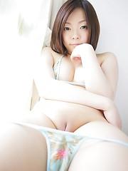 Riko Komatsu demonstrating her nice japanese pussy