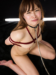 Roped girl from Tokyo loves to take it deep