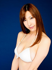 Big boob asian model Marina Yamasaki