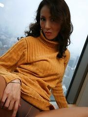 Japanese MILF Ayumi Matsuki masturbation