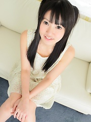 Sexy asian teen Kotomi Asakura flashes her pussy