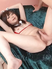 Asuka Mimi Asian with cans out of red bra has love box licked