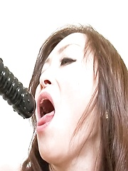 Miyama Ranko Asian pees after fucking her pussy with vibrators