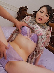 Tomoka Sakurai Asian shows nude cunt and gets phallus inside it