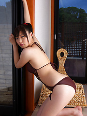Airi Sakuragi Asian with sexy lips has spicy curves in bath suit