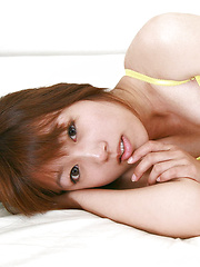 Shizuka Sakura Asian with hot cans and ass in yellow goes to sea