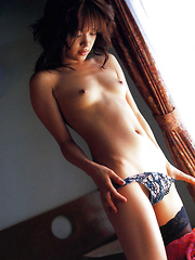 Mihiiro Asian model takes lingerie off and exposes her hot curves