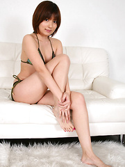 Kaori Tanaka Asian wants to take bikini off playing with minds