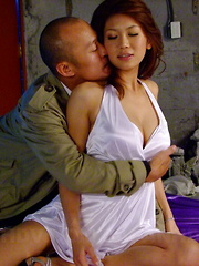 Hot wife Runa Sesaki gets nailed by her man