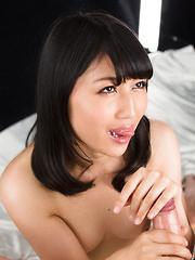 Japanese brunette Saionji Reo