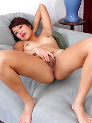 Sexy Asian babe makes her tight pussy cum after rubbing her clit
