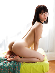 Japanese gravure Mai Araki