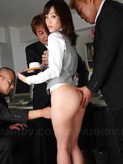 Slutty gal Arisa Suzuki is ready for hot sex