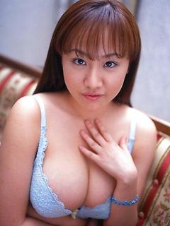 japanese porn model Ayami Sakurai