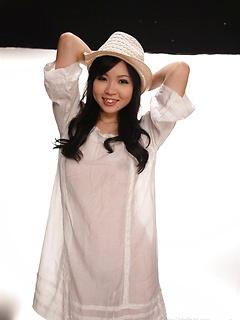 japanese porn model Siori Motomiya