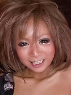 japanese porn model Riku Hinano