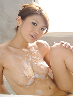japanese porn model Runa Sesaki